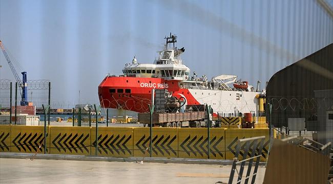 'Oruç Reis' Antalya Limanı'nda bakıma alındı