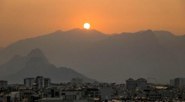 Antalya'da gün batımı güzelliği