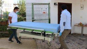 Hasta yatağı ve tekerlekli sandalye yardımı yapıldı