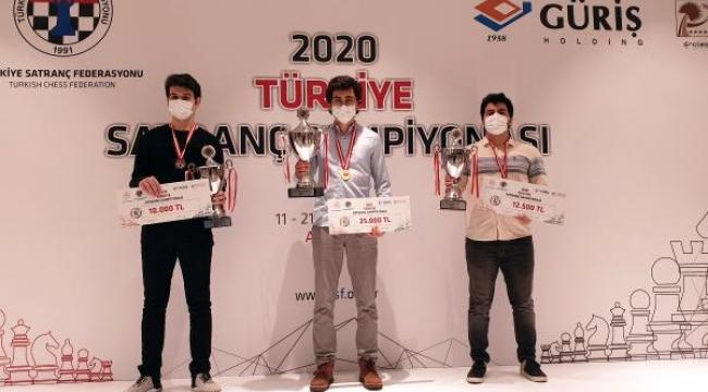 Satrançta Türkiye'nin büyük ustası Vahap Şanal oldu