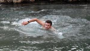 Yaz kış soğuk suya giriyor