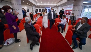 Nikah salonlarında 'cuma' yoğunluğu