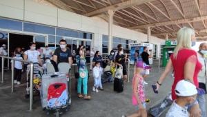 Antalya'ya havayoluyla gelen- giden toplam yolcu sayısı 10 milyon