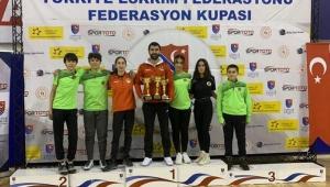 Eskrimciler, Ankara'dan 3 kupayla döndü