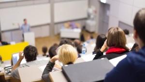 Üniversitelerhibriteğitimegeçiyor