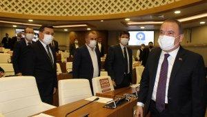251 gün sonra meclise gelen Başkan Böcek: Ölüm döşeğinde haksızlığa uğradık