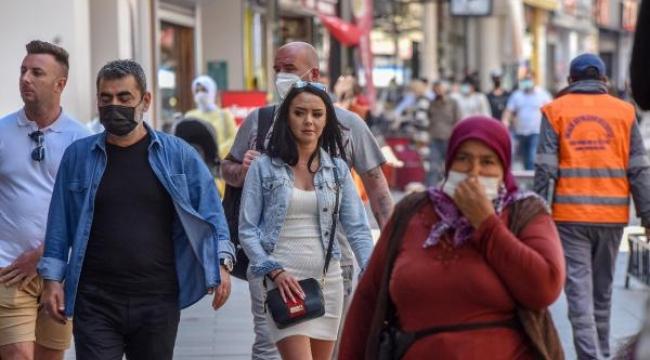 Vaka sayıları artan Antalya'da kurallar unutuldu