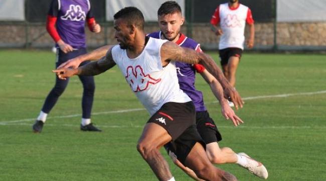 Ali Şafak Öztürk'ten Antalyaspor'a jest
