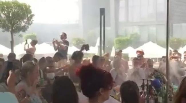 Antalya'da, otelde hınca hınç 'korona' partisi