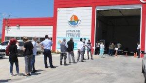 Antalya OSB'de işçiler aşılanıyor