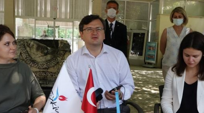 BakanKuleba'dan Antalya'ya davet