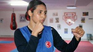 Liseli boksör Zübeyde, Türkiye'yi temsil edecek