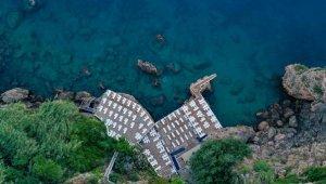 Muratpaşa'nın 'Mavi bayraklı' 5 belediye plajı ilgi odağı