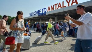 4 günde turist sayısında geçen yılın temmuzunu geçti