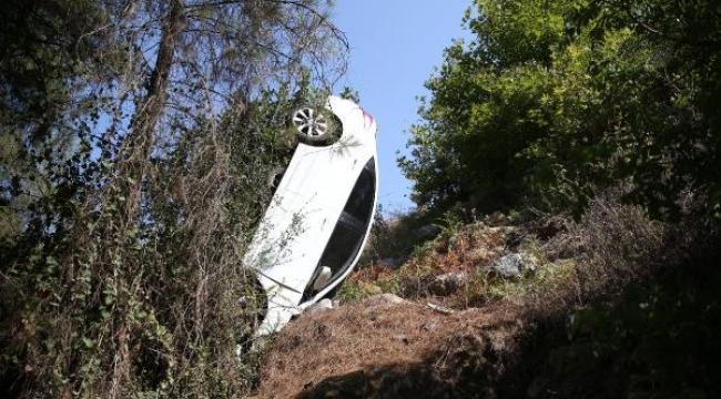 Otomobil şarampole yuvarlandı: 4 Rus yaralı
