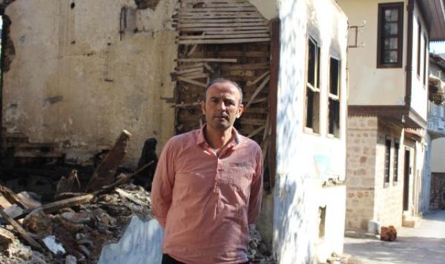 Antalya kent merkezindeki asırlık evler yok oluyor