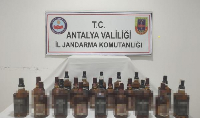 Jandarma Manavgat'ta kaçak içki ele geçirdi