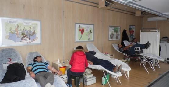 İki günde 103 ünite kan bağışı